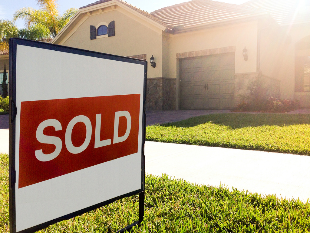 purchase a home in florida